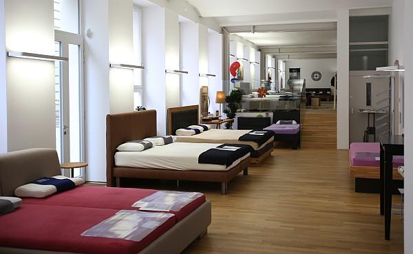lag wien unser schauraum ffnungszeiten und kontaktdaten. Black Bedroom Furniture Sets. Home Design Ideas